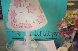 Lámpara de mesa. Personalizada con el nombre de tu princesa.