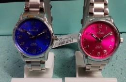 Reloj de la colección chic de Nowley. Acero con esferas de colores.