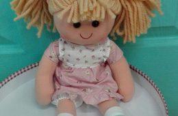 Muñeca de trapo de 40 cm. (Se personliza con el nombre).