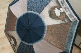 Paraguas de Anekke azulón (disponible en bastón y plegable manual o automático).