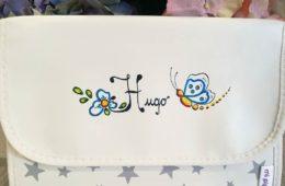 Portadocumentos polipiel para el bebé personalizado con su nombre. (Niño y niña).