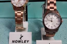 Reloj en acero rosa, o acero chocolate. Nowley.