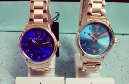 Reloj acero y esferas de colores. Colección