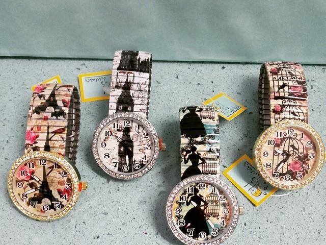 de8ee2615b47 Relojes con ilustraciones. (Motivos vintage).