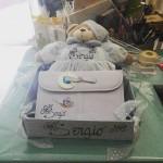 Canastilla de bebé personalizada (cesta, porta documentos y osito pijamero)