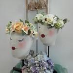 Diadema floral. Tocado con flores.