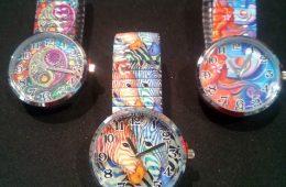 Relojes con bellas y divertidas ilustraciones.