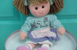 Muñeca de trapo de 40 cm. (se personaliza con el nombre).