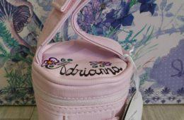 Porta chupetes poli piel rosa personalizado.