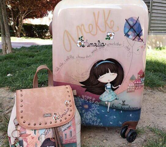 Mochila y maleta de Anekke. (Se personalizan con el nombre).