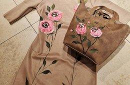 Vestido antelina y bolso pintado a mano .