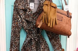 Chaqueta trench animal print