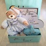 Canastilla bebé niño con reloj