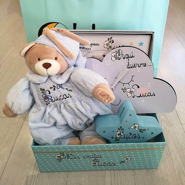 Canastilla niño con reloj personalizada